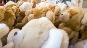 des-ours-en-peluche-dans-un-atelier-du-fabricant-blanchet-peluches-de-france-le-11-decembre-2013-a-saint-marcel-indre_4556168